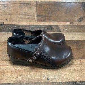 Sanita Lori Snap Leather Slip On Clog Women Sz 6.5